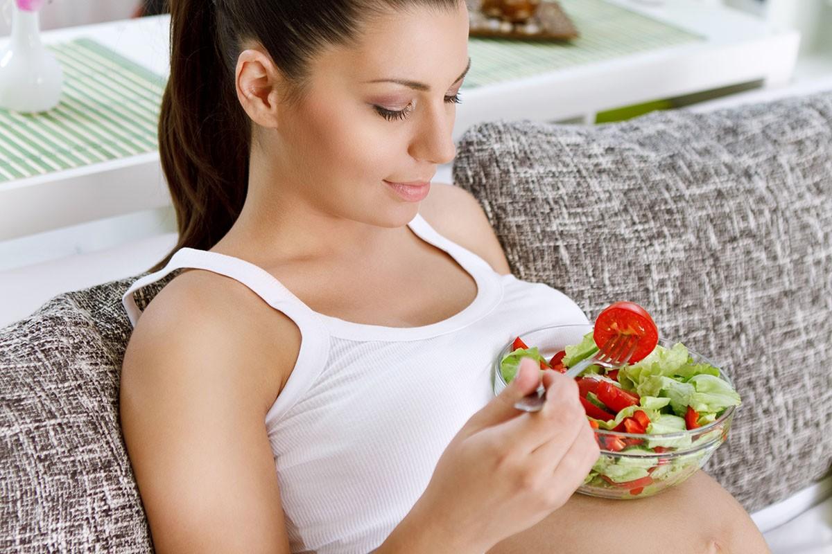 Кои храни да се избягват при бременност?